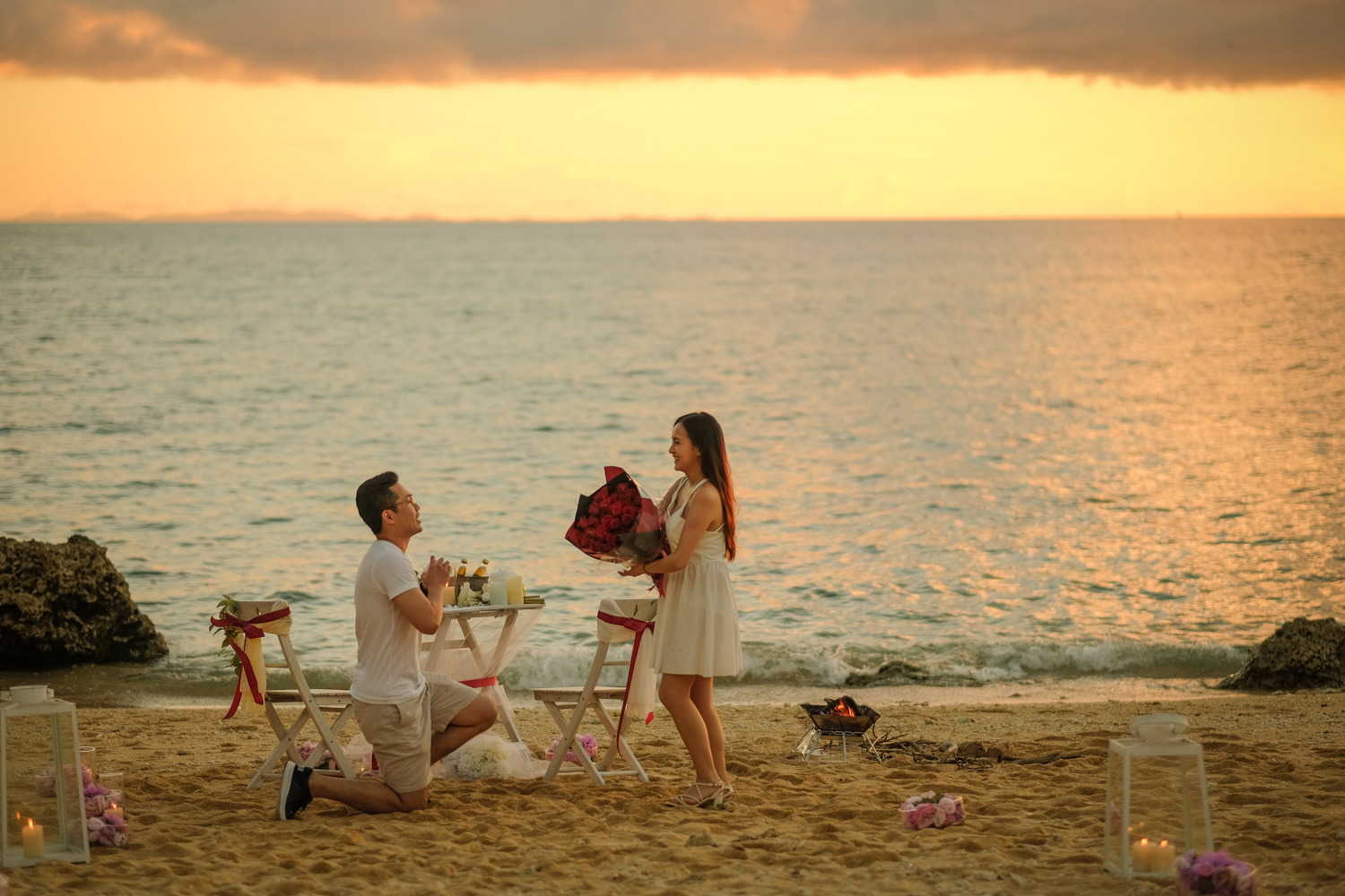 Propose on beach sunset time in Okinawa