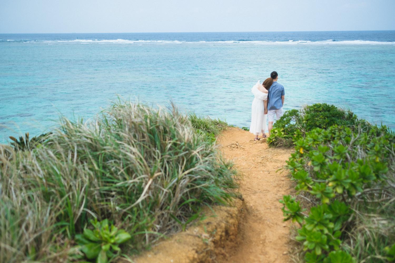 engagement photo in Okinawa