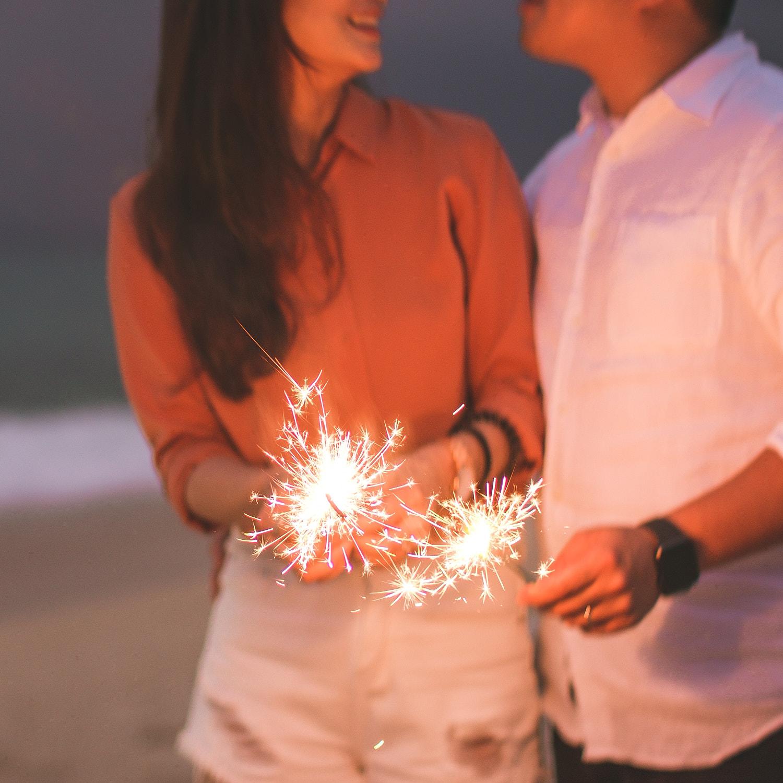 在沖繩的沙灘進行浪漫的求婚